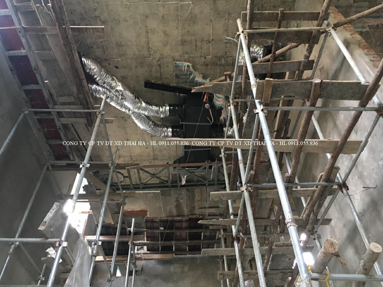 Dàn lạnh âm trần nối ống gió cho khu vực thông tầng
