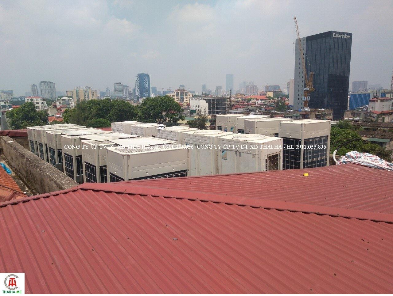 Dàn nóng điều hòa trung tâm đặt trên mái